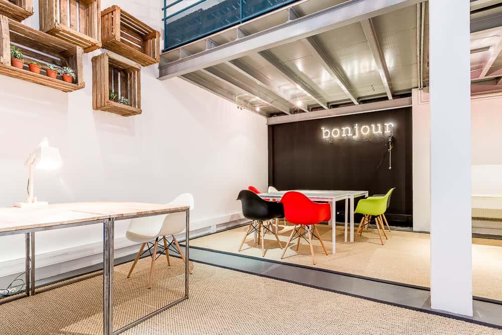 Coworking cr atif bureaux studios rue de la jonqui re paris 17 - Location bureaux paris 17 ...